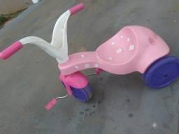 Vende-se um velocípede infantil triciclo urgente