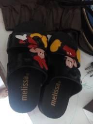 Vende se sandalia feminina
