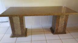 Mesa grande de granito