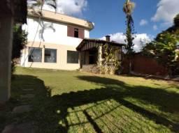 Casa para aluguel, 3 quartos, 5 vagas, Centro - Barbacena/MG