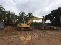 Escavadeira Hidráulica Komatsu Pc 200 ( verifique condições )
