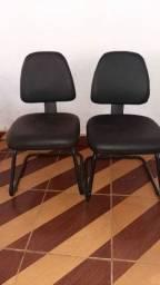 Vendo duas cadeiras de escritório novas