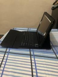 Capa de couro e teclado pra IPad