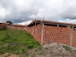 Vendo casa grande e barato em feira de santana, Bahia. sou do rio de Janeiro 55.000,00