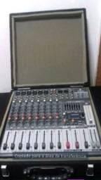 Mesa de som, equalizador e processador de efeitos