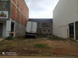 Lote comercial no condomínio entre Lagos