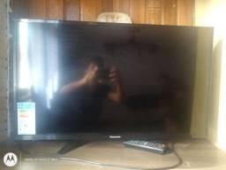 Vendo televisão pra retiradas de peças