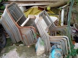 Lote de estruturas de cadeiras empilháveis