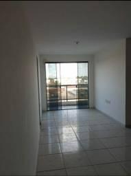Apartamento bem amplo e novinho para vender barato.