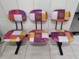 Título do anúncio: Cadeira longarina