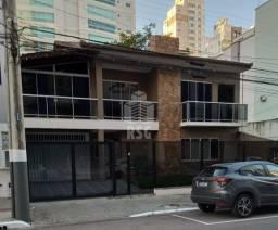 Ampla casa em local nobre no bairro de Pioneiros em Balneário Camboriú, SC