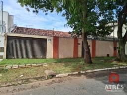 Casa com 3 dormitórios para alugar, 200 m² por R$ 3.700,00 - Parque Anhangüera - Goiânia/G