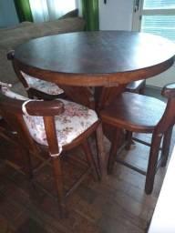 Urgente - Mesa antiga de madeira maciça - Redonda com 4 cadeiras