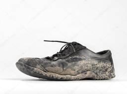 Compramos calçados , chinelos , sandálias , botas ( SOLADOS EM PVC )