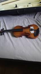Vende-se um lindo violino