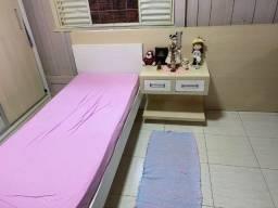 Painel com 02 camas de solteiro (01 já está desmontada). Interessados chamar no privado.
