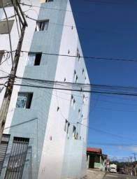 Apartamento alugando prédio azul