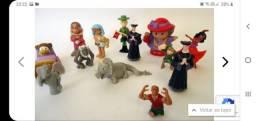 Lote com diversos mini personagens conforme fotos