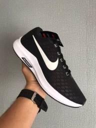 Título do anúncio: Tênis Nike Zoom - Preto/Branco