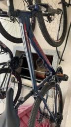 Bike importada usada poucas vezes