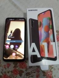 Vendo celular Samsung A11 novo na garantia com todos os acessórios