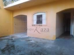 Ref.36.254JC Alugo Casa no Jd satélite com 02 dormitórios!!!