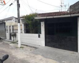 Casa térrea na Alameda Moreira da Costa no bairro do marco