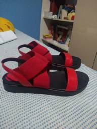 Título do anúncio: Vendo sandália plataforma Luiza Barcelos