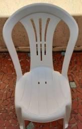 Cadeiras plásticas plasnew semi nova