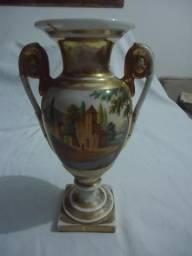 Jarra ânfora em porcelana do século 19