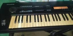 Oferta exclusiva. Teclado alesis quadra synth Plus piano e acompanha case