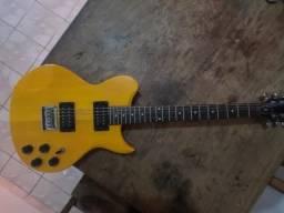 Guitarra Washburn em bom estado