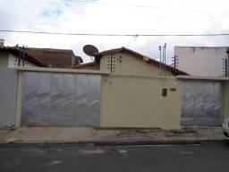 Casa Residencial à venda, 4 quartos, 2 vagas, Parque Piaui - Teresina/PI