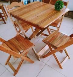 Mesa desmontável de madeira