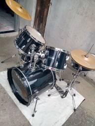 Bateria marca vogga drums reduzida