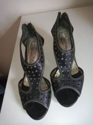 Calçado feminino.