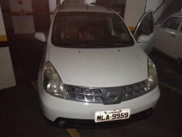 Veículo Nissan Livina