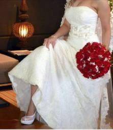 Vende-se lindo vestido de Noiva!!!!