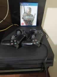 Playstation 4 PRO 2TB + 2 Controles