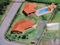 Chácara 2.900 m2 Cond. Fechado 560 m2 A/C 4 dorm. 3 suites Ref. 476 Silva Corretor