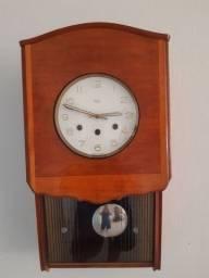 Relógio de Parede Antigo Carrilhão em perfeito estado