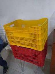 Caixa tipo contentor, galeia, caixote plástico