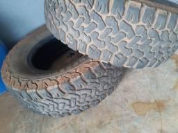 Título do anúncio: 2 pneu de Hilux