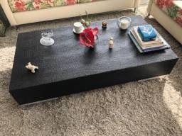 Mesa de centro de madeira e Couro