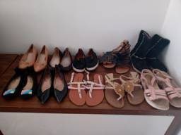 Lote de sapatos para brechó  26 pares