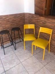 Cadeiras e tamburetes