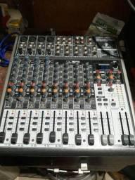 Mesa de som Behringer Xenix X1622USB