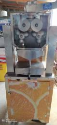 Título do anúncio: Máquina de suco de laranja com reservatório