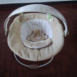 Título do anúncio: Cadeira Bebe Vibratória balanço muito conservada