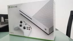 Xbox One S 1TB Completo + 1 Meses de Game Pass